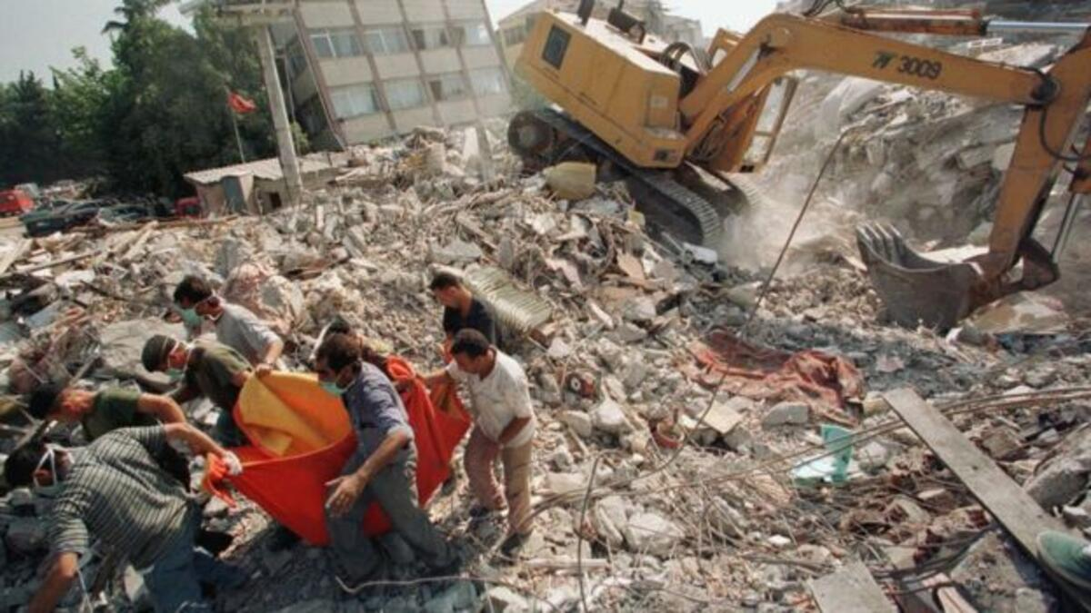 'Türkiye, daha büyük depremlere gebe'