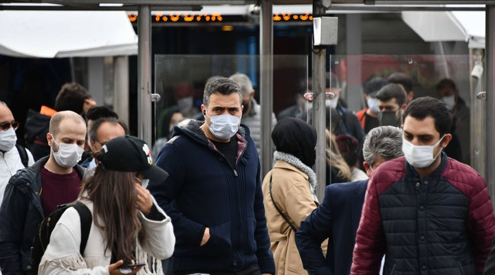 Türkiye'de 24 saatte 190 kişi koronavirüsten yaşamını yitirdi