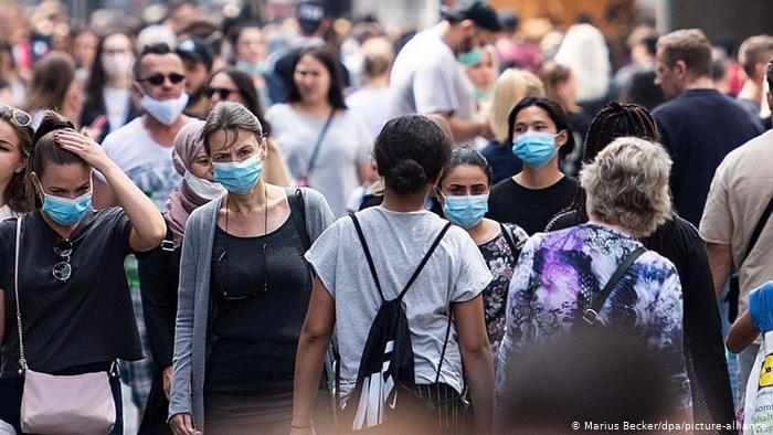 Türkiye'de günlük koronavirüs vaka sayısı 20 bini aştı