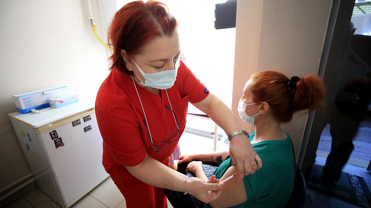 Türkiye'de iki doz aşı olanların oranı yüzde 40'a yaklaştı