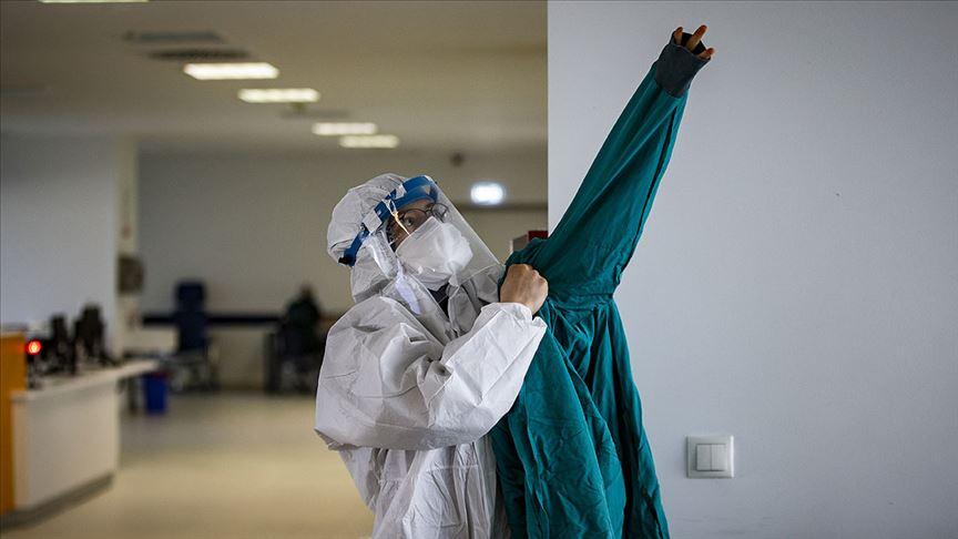 Türkiye'de son 24 saatte 927 yeni koronavirüs vakası