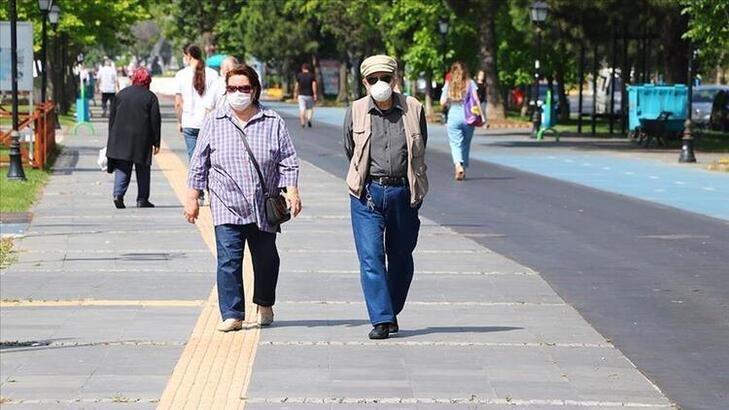 Türkiye genelinde koronavirüs kısıtlamaları geri döndü