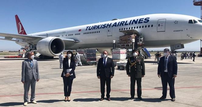 Türkiye'nin gönderdiği tıbbi yardım malzemeleri Kırgızistan'a ulaştı