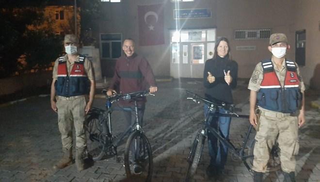 Türkiye turuna çıkan İsviçreli turistlerin bisikletleri çalındı