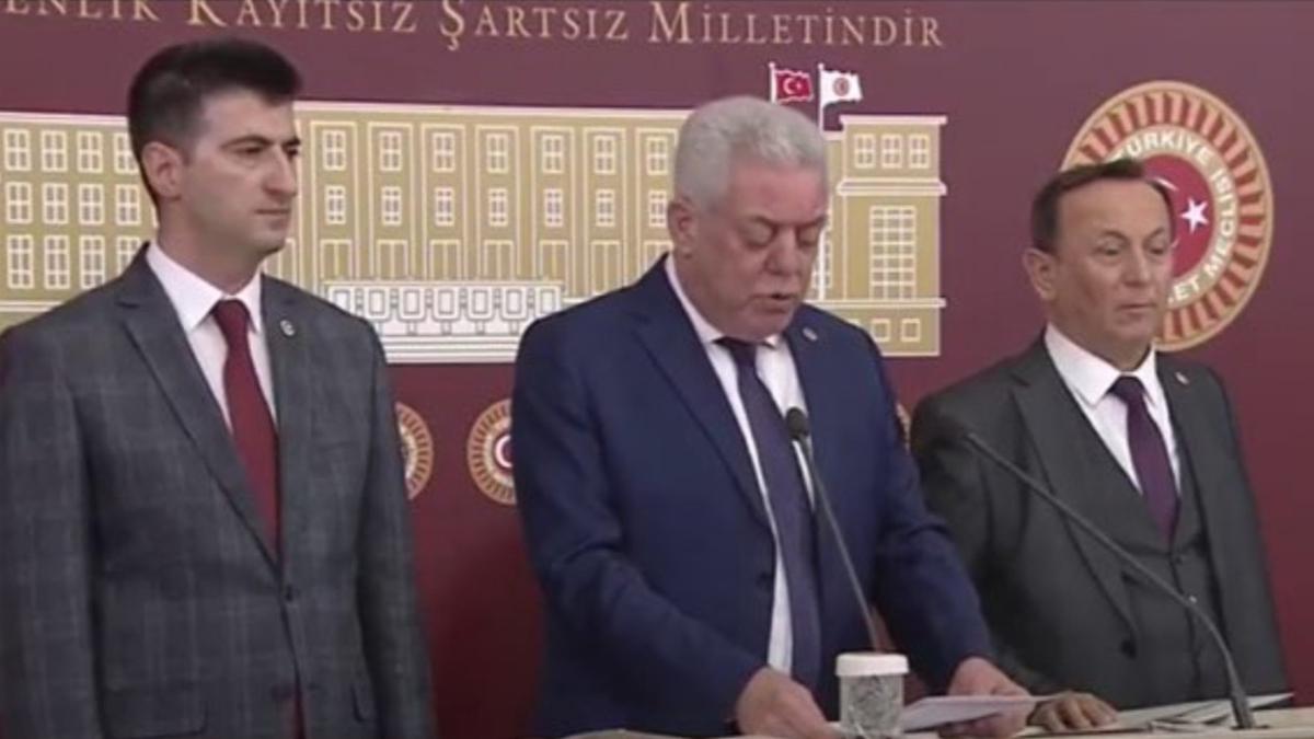 Üç CHP'li milletvekili partiden istifa etti