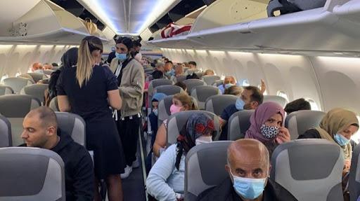 Uçakta koronavirüs paniği: 'Nefes alamıyorum' diye bağırdı
