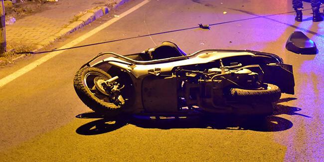 Üniversite öğrencisi moto kurye hayatını kaybetti