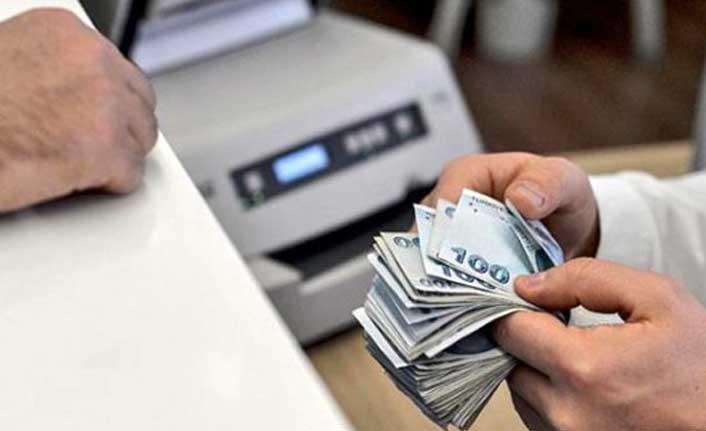 Ünlü ekonomist Şahinöz: İhtiyacınız olmasa bile kredi çekin