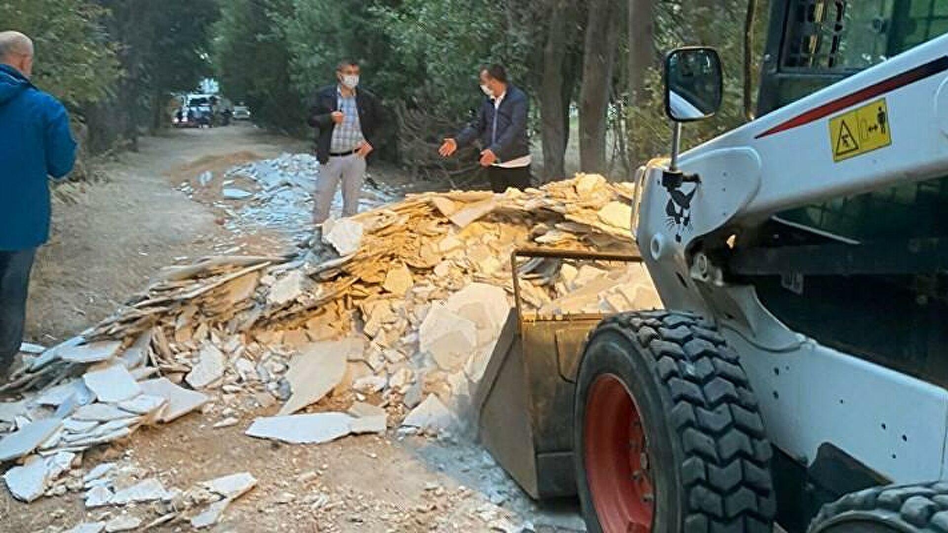 Üsküdar Belediyesi, Validebağ Korusu'na girip moloz döktü