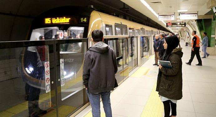 Üsküdar'da bir kişi metro raylarına atladı