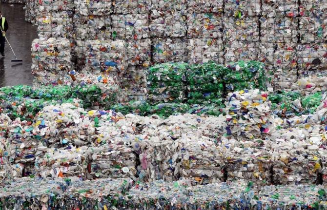 Uygulanmadan kaldırılıyor: Plastik atık ithalatı yeniden başlıyor