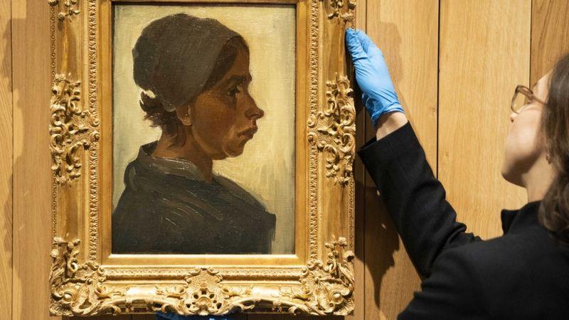 Van Gogh'un Kadın Başı tablosu rekor fiyata satıldı