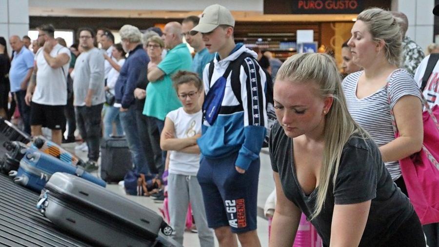 Yabancı turist sayısı 2019'a göre yüzde 34 düştü