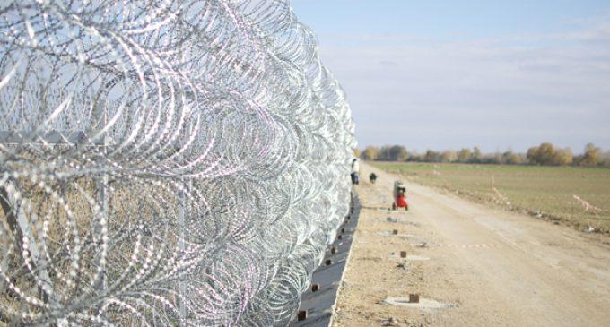 Yunanistan'dan Türkiye sınırındaki duvarı uzatma kararı