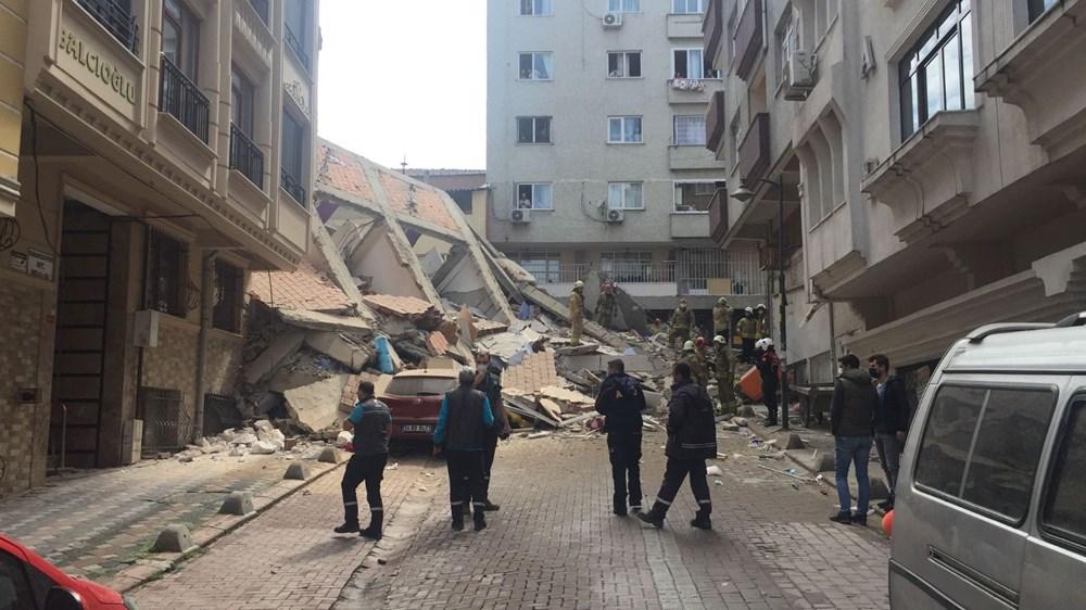 Zeytinburnu'nda boşaltılan 5 katlı bina çöktü