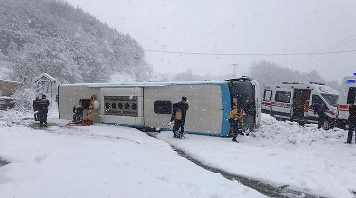 Zonguldak-İstanbul karayolunda yolcu otobüsü devrildi
